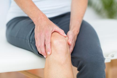 Douleurs aux genoux et ostéopathie